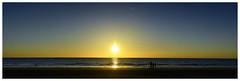 Sonnenuntergang mit ein wenig Braunfärbung dank Schiffsabgasen (tsobanski19) Tags: sonneuntergang sunset nordsee nierlande küste strand beach netherlands d800 nikon nikkor verschmutzung