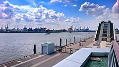 2016-05-28 08 Altona Elbe Anleger, Dockland (kaianderkiste) Tags: germany hamburg altona dockland elbe hafen port harbour treppe stairway stairs building gebäude