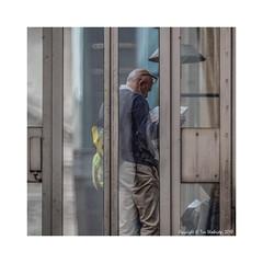 Where Next? (Tim Shoebridge) Tags: em1markii tamron 500mm mirrorlens london cityoflondon city tourist olympus