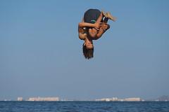 Levitando / Levitating - 0751 (Enrique Freire) Tags: losnarejos murcia españa spain acrobacia acrobatic levitación levitation