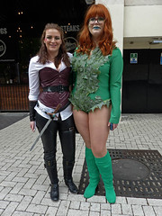 Comicon 13 (Andy WXx2009) Tags: outdoors people portrait streetphotography cosplay comicon costumes girls redhead cardiff europe wales green female femme women fashion style boots tightfit brunette fancydress sexy beauty legs shorts models posing