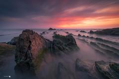 The dragon1.jpg (Caramad) Tags: luz landscape sunset olas bizkaia sea agua longexposure nubes puestadesol mar marcantábrico seascape rocks barrika rocas playa