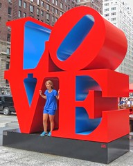 Symphony In Red And Blue (Viejito) Tags: robertindiana love sculpture art arte sculptor manhattan newamsterdam nyc newyork newyorkcity bigapple geotagged geo:lat=4076278 geo:lon=73977992 ny america usa unitedstates amerika amérique américa canon s100 canons100 powershot large big letters حُب 喜爱 láska kærlighed liefde armastus rakkaus amour liebe αγάπη szeretet ást sayang amore 愛 애정 mīlestība meilė kjærlighet zamiłowanie amor dragoste любовь ljubezen kärlek aşk red blue girl smile lips sunglasses hair blonde redhead sneakers popart corten steel uss kunst i♥ny ♥