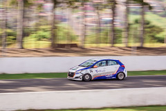 Racing (Vinicius_Ldna) Tags: 7519 panning race racing movimento corrida racetrack autodromo paning hyundai hb20 car carro brazilian canon t3i 70200 speed valocidade londrina pr brazil