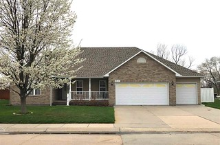 North Platte, Ne Real Estate For Sale - Mls# 21157 Is A 3 Bedroom, 2 Bath Home Priced At $230,000