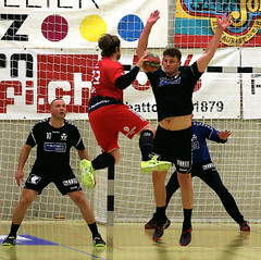 AW3Z7795_R.Varadi_R.Varadi (Robi33) Tags: action ball basel foul handball championship fight audience referees rtv1879basel switzerland fun play gamescene team sports sportshall viewers
