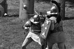 Thraex vs Murmillo (Péter_kekora.blogspot.com) Tags: floralia aquincum budapest ancient rome imperiumromanum pannonia 2018 may nikon d7200 gladiator ludii