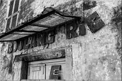 Boulang(e)rie - Bak(e)ry (Jacques Romeyer dherbey) Tags: france boulangerie noiretblanc blackandwhite bw flickrunitedaward
