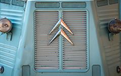 Rufford-4499.jpg (picturist.co.uk) Tags: ruffordabbey sun old car fender citroen chevron nottinghamshire