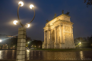 Milan: Arco della Pace at evening
