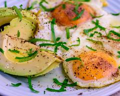 Sunday breakfast. Fried eggs and avocado. (garydlum) Tags: belconnen avocado friedeggs canberra oliveoil eggs australiancapitalterritory australia au