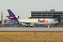 N381FE.KMIA180418 (MarkP51) Tags: n381fe douglas mdc1010f dc10 fedexexpress fedex fx fdx cargo freighter miami international airport mia kmia florida usa airliner aircraft airplane plane image markp51 nikon d7100 d7200 sunshine sunny aviationphotography