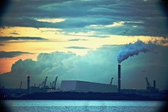 Pigeon House Road. (Mark Waldron) Tags: dublin bay ireland evening incinerator sky smoke covanta mto500 500mm mirrortele soviet lens telephoto vignette m39 sony a7 fullframe industrial cityscape warning light facility