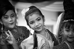 Kids in Indonesia (frank.gronau) Tags: kinder children kids indonesia indonesien jakarta white black weis schwarz alpha sony gronau frank