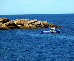 looking out from Granite Pier (Icanpaint1) Tags: coast ocean water seacoast granitepier rockportma northshore newengland wjtphotos boats