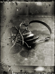 Hello? hello? (BosseB) Tags: quality headphones 9x12 glassplate dryplate icahybrid calber09 ilfordsoftgradationpanchromaticplates hddaylight700 adoublefave