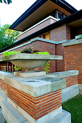 Frank Lloyd Wright (fensterbme) Tags: house chicago home architecture illinois modernism franklloydwright 5d canon5d hydepark universityofchicago fenstermacher robiehouse aia windycity prairiestyle fensterbme woodlawnavenue chicagodaytrip megaphotostroll 5757southwoodlawnavenue