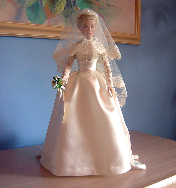 Franklin Mint Princess Grace doll in her bridal gown