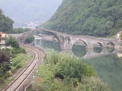 Ponte del Diavolo 1 (Janex & Alba) Tags: bridge italy topv111 del geotagged topv555 topv333 italia ponte tuscany devil middle toscana ages garfagnana diavolo janex borgoamozzano italiamedievale cotcbestof2006 geo:lon=10551595 geo:lat=43981575