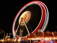 Ferris Wheel [looong exposure] (tschnitzlein) Tags: night wow munich topf50 fv5 oktoberfest tschnitzlein