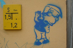 milhouse (rabauke77) Tags: street streetart berlin art graffiti stencil 2006 simpsons 200views prenzlauerberg pochoir milhouse schablone christinenstr 5favs