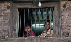 Nepal (Krzysztof Kobus) Tags: nepal children bars lighbulb lpwindows