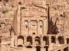 DSC1125 Tumbas Reales - Tumba de la Urna, Petra (Ramón Muñoz - ARTE) Tags: petra jordania ciudad antigüedad city de piedra en antigua arqueológico arqueología tumbas reales tumba la urna las urnas