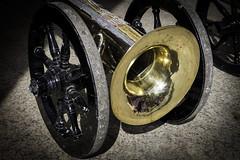 Bocina de burla (Juan Pedro Gómez-51) Tags: bocina trompeta horn trumpet instrumentomusical musicalinstrument trompetadeburla trumpetofmockery semanasanta holyweek procesión procession processionofsalzillo holyweekprocession música music instrumentodeviento windinstrument murcia españa spain religión folclore folklore