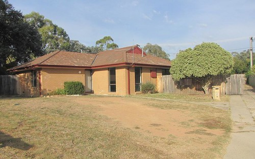 8 Icely Pl, Kambah ACT 2902