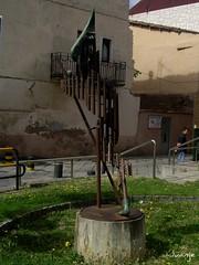 Peregrino (Santo Domingo de la Calzada, La Rioja, España, 2-8-2009) (Juanje Orío) Tags: santodomingodelacalzada 2009 larioja provinciadelarioja españa espagne espanha espanya spain escultura sculpture caminodesantiago patrimoniodelahumanidad worldheritage