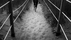 Earthing (Bert CR) Tags: eastcoast seaside grounding bw blackandwhite blackwhite monochrome barefeet healthbenefits beach sand electrons balance earthing path skancheli