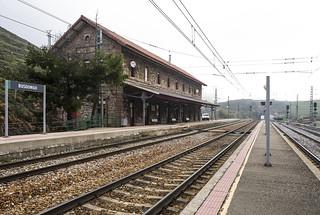 Ferrocarril Gijón-León, estación de Busdongo.