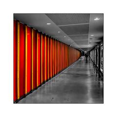 Couloir au carré (Jean-Louis DUMAS) Tags: red yellow black colors couleur noiretblanc noir noretblanc couloir bw carré frame
