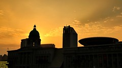 Historical golden hour silhouettes.. (Ferry Octavian) Tags: canon eos 750d rebel t6i dslr landscape street shot travel trip outdoor noflash handheld explore color colour efs 1855 stm metro metropolis city cityscape modern building skyscraper tower architecture design structure exterior icon landmark history historic dusk sunset sun sky skyline horizon golden hour beautiful cloud cloudy wide singapore southeast asia sea capital marina marinabay water waterfront bay bayfront hall national gallery padang