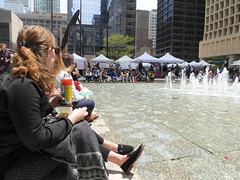 Chicago, Daley Plaza, Lunchtime at the Thursday Market (Mary Warren 10.5+ Million Views) Tags: chicago daleyplaza market urban water fountain people vendors tents