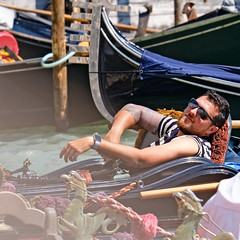 Recumbent Gondolier (Fairy_Nuff (piczology.com)) Tags: venice recumbent gondolier gondola rest break sunglasses