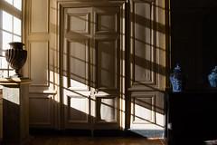 Rayon de soleil (StephanExposE) Tags: maisonlafitte iledefrance france stephanexpose chateau castle interieur luxe canon 600d 1635mm 1635mmf28liiusm