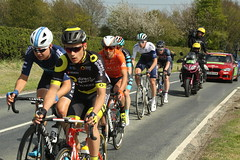 Breakaway (Steve Dawson.) Tags: tourdeyorkshire mens cycle race bikes stage1 beverleytodoncaster breakaway skidby yorkshire england uk canoneos50d canon eos 50d ef28135mmf3556isusm ef28135mm f3556 is usm 3rd may 2018