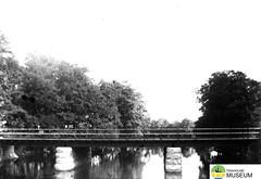 tm_7532 - Tidaholm 1900 (Tidaholms Museum) Tags: svartvit positiv bro tidaholm 1900