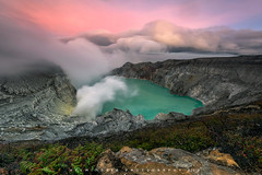 Ijen National Park (©Helminadia Ranford) Tags: ijen crater volcano sunrise eastjava indonesia privatephototour helminadiaphotography landscape travel nature trekking