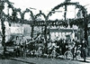 Festa dell'uva a Gambellara - foto d'epoca (dindolina) Tags: photo fotografia blackandwhite bw biancoenero monochrome monocromo vintage italy italia veneto vicenza gambellara bike bicycle bicicletta history storia
