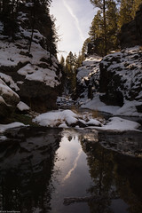 reflections (Tomás Harrison Fotos) Tags: jemezmountains afsdxzoomnikkor1755mmf28gifed nikon d7100 hiking cliffs eastforkjemezriver lasconchastrail availablelight ice landscape ngc nm snow austin tx usa