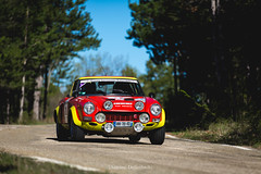 Fiat 124 Abarth (antoinedellenbach.com) Tags: worldcars car race racing circuit france motorsport eos automotive automobiles automobile racecar sport course lightroom coche photography photographie vintage historic tourauto peterauto optic2000 auto canon bmw legend tourauto2018 5d 5d3 fiat 124 abarth 70200 sun