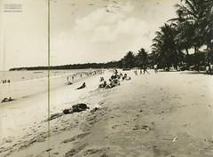 Praia de Tambaú (Arquivo Nacional do Brasil) Tags: joãopessoa paraíba praia nordeste arquivonacional arquivonacionaldobrasil nationalarchivesofbrazil nationalarchives archives beach história mémoria