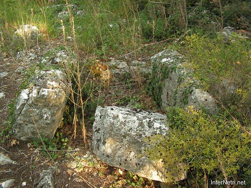 Крим, Таврські могильники на горі Кішка InterNetri Ukraine 2009 123