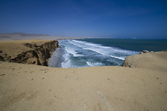 When the ocean meets the coast (lbencini) Tags: ocean pacificocean blue water waves desert paracas reserva perù sky brown vacation canon landscape landscapephotography wow fantastic nofilter