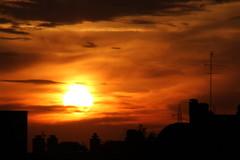 Burning The Sensor (frankygoes.com) Tags: untouched canoneos7d canon eos 7d tamron16300mmf3563diiivcpzdmacro tamron 16300 sun sole tramonto sunset sky cielo nuvole clouds red rosso orange arancione yellow giallo black nero silhouette outline sagoma cityscape skyline fire fuoco cloudy nuvoloso