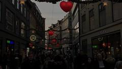 A walk in town, December 2017 (Jens Rost) Tags: slideshow iphone app december christmas market copenhagen strøget stroget strall hearts people street
