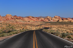 The Scenic Drive (Yvonne Oelsner) Tags: roadtrip nevada usa valleyoffire whitedomesroad scenicdrive landscape mohavedesert rocks red orange blue americanwest