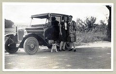 """Opel 4/16 PS Viersitzer-Limousine (Vintage Cars & People) Tags: vintage classic black white """"blackwhite"""" sw photo foto photography automobile car cars motor opel4ps opel416ps opel laubfrosch contaxindicator motometer radiator thermometer roaringtwenties twenties 1920s silkstockings dollyshoes maryjanes maryjaneshoes stockings ribbon pigtails braidedpigtails braid braids"""